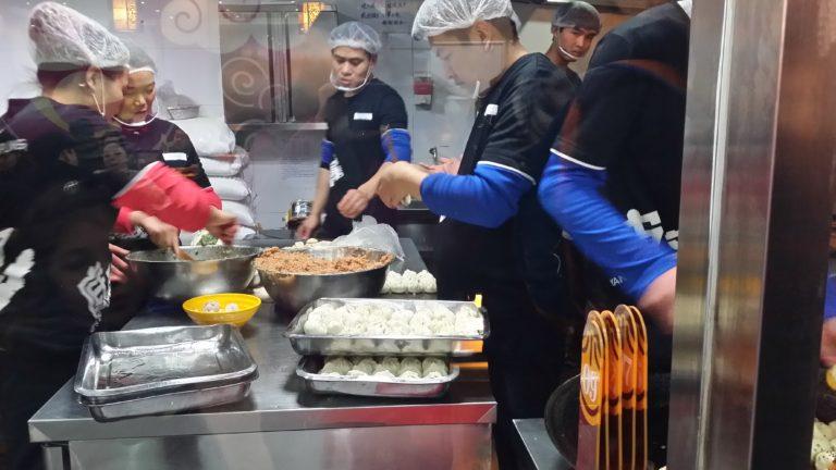3 lugares de comida rápida y un café en China